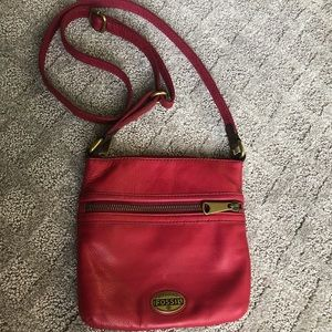 👠FOSSIL Red Leather Crossbody!